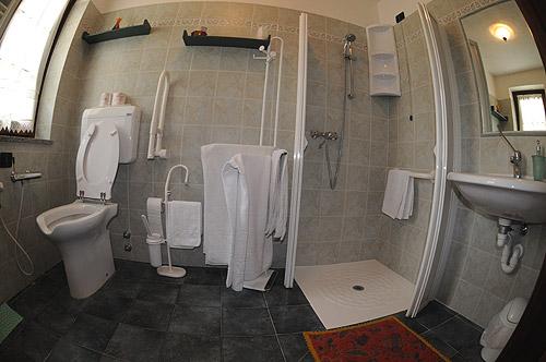 Hotel accessibile - Ristrutturazione bagno disabili agevolazioni ...